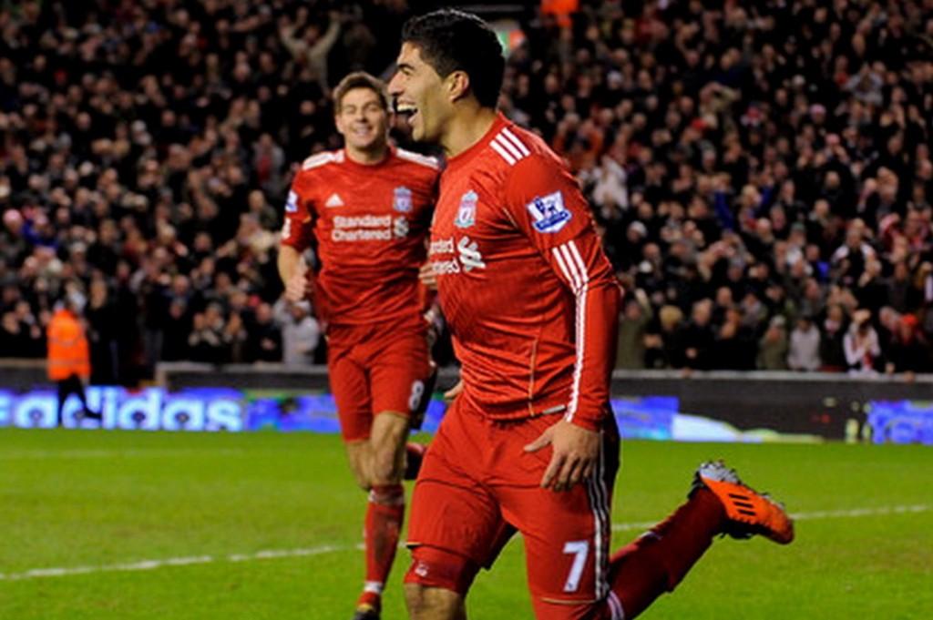 Luis+Suarez+Liverpool+v+Stoke+City+Premier+8sgMMj40lhil_0